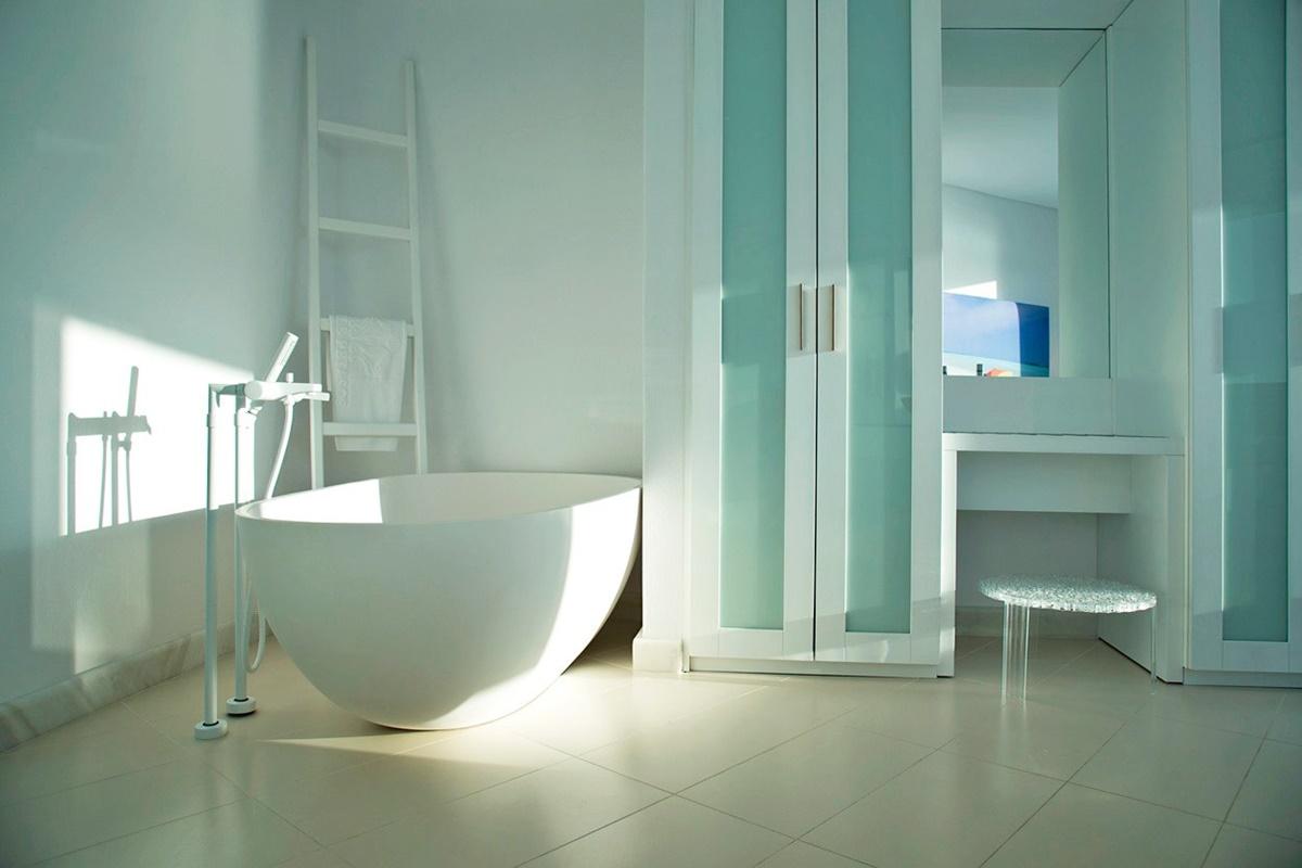 Attractive Infinity Tub Adornment - Bathtub Design Ideas - valtak.com